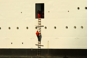 Pilot Brest on ladder